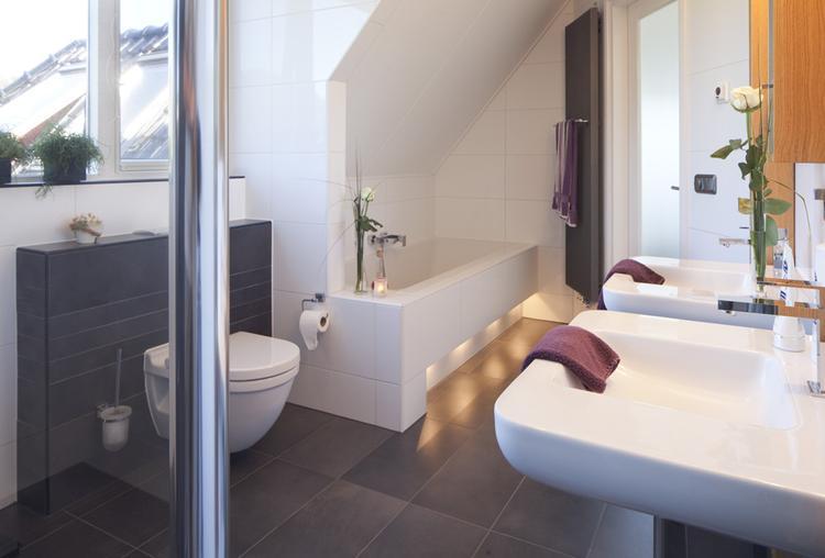 Moderne Badkamer. Zelf ontworpen de badkamer! . Foto geplaatst door ...