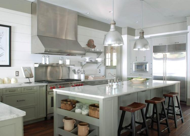 Mooie Witte Keuken : Mooie witte keuken met kookeiland eetgedeelte. . foto geplaatst door