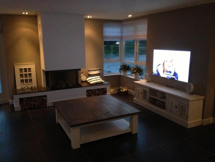 Landelijke woonkamer met meubels op maat van MELKA Interieurbouw ...