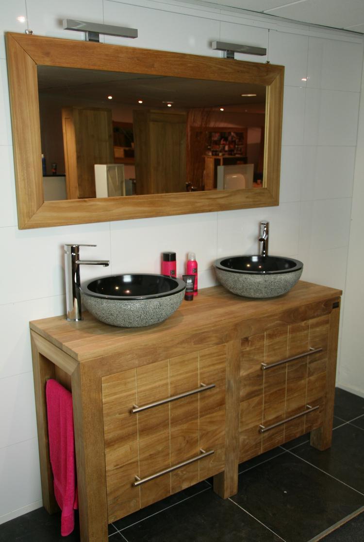Badkamer meubel van teakhout met 4 soft-close laden. Voorzien van ...