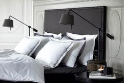 Zwarte Slaapkamer Ideeen : Fijne combi een zwarte slaapkamer en heel veel planten roomed