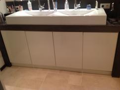 Moderne Witte Badkamer : Moderne witte badkamer interieur d rendering afbeelding