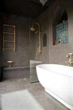 stijlvolle kleine badkamer in marmer stuc