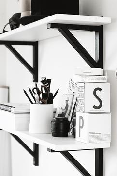 De Leukste Ideeën Over Planken Wit Vind Je Op Welkenl