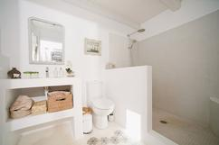 Slimme tips om je badkamer groter te laten lijken eigen huis en tuin
