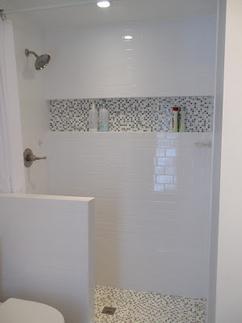 Collectie: Een laag muurtje in de badkamer, verzameld door ...
