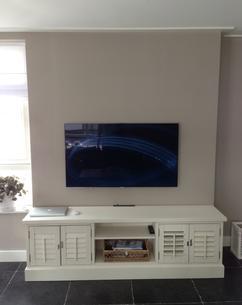 Tv En Audio Kast.Landelijke Samsung Tv Audio Kast Met Echte Shutters Op Maat Foto