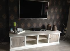 Tv In Muur : Woonkamer tv muur kledingkasten opbergkasten