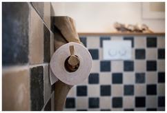 Gratis afbeeldingen zwart en wit toilet wastafel monochroom