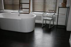 Bruggink geeft uw badkamer een stijlvolle en warme uitstraling