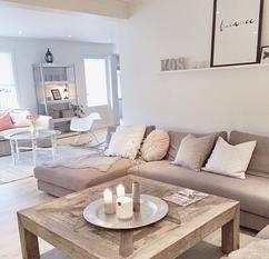 https://cdn1.welke.nl/cache/resize/242/auto/photo/25/05/18/Mooie-tinten-voor-in-de-woonkamer-prachtige-tafel.1416421785-van-samantha-hoogerland.jpeg