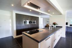 Kastenwand Keuken Moderne : Moderne keuken met kastenwand
