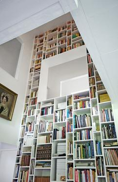 enorme boekenkast kijk dit is pas een boekenkast hier weet je zeker dat je