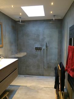 https://cdn2.welke.nl/cache/resize/242/auto/photo/30/56/92/Beton-Cire-badkamer-Made-by-Beton-Cire-Centrum-Den-Haag.1424326244-van-BetonCireCentrum_l2wC8Q0.jpeg