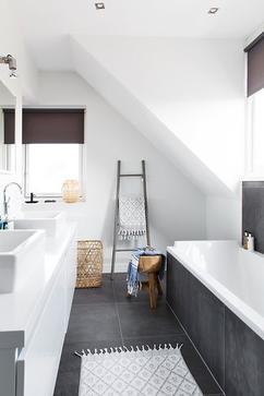 Badkamer Grijs Wit Hout.De Leukste Ideeen Over Badkamer Wit En Grijs Vind Je Op Welke Nl