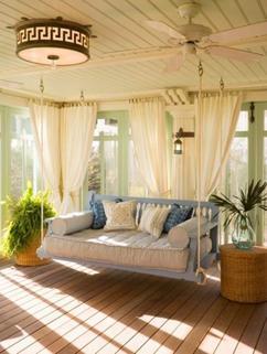 https://cdn2.welke.nl/cache/resize/242/auto/photo/34/57/09/met-witte-gordijnen-of-vitrage-een-stukje-tuin-balkon-of-terras.1432101834-van-bibimwakamsha_4huTGhP.jpeg
