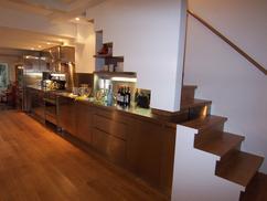 Keuken Met Trap : Keuken onder trap luxe iepenhouten keuken te breda studio sool