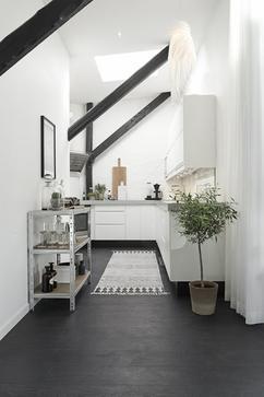 scandinavisch industrieel interieur hal entree wit zwart rustig neutraal