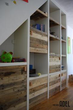 https://cdn2.welke.nl/cache/resize/242/auto/photo/38/68/70/Inbouwvakken-kast-onder-schuin-dak-Wit-mdf-met-sloophouten-deurtjes.1444729336-van-vandenAdel-meubels.jpeg