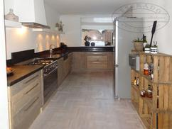 Welke Nl Keuken : Keuken hout landelijk
