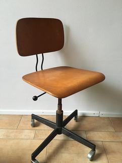 Oude Bureau Stoel.De Leukste Ideeen Over Bureaustoel Vind Je Op Welke Nl
