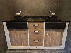 Badkamermeubel Van Steigerhout : Steigerhout badkamermeubel op maat kleppen en laden schuiven a
