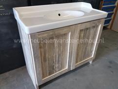 De aardig wasbak met meubel gedachte voor schilderen je pand