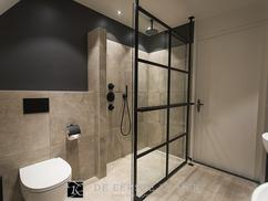 Zwarte Kraan Badkamer : De eerste kamer stoer met de zwarte kranen van jee o foto