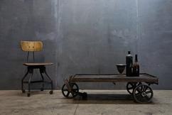 Industriele Tafel Op Wielen.De Leukste Ideeen Over Salontafel Op Wielen Vind Je Op Welke Nl