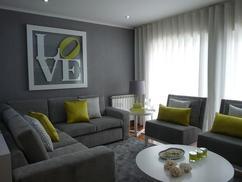 Woonkamer Zwart Grijs : Woonkamer grijs gouden lamp grijs woonkamer interieur met poster