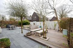 Grote Tegels Tuin : Ideeën voor hergebruik van tuintegels en stenen iris garden
