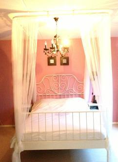 mijn prinsessen bed gemaakt door mijn liefste man nodig bij ikea 3