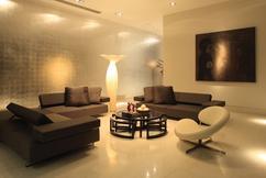 https://cdn3.welke.nl/cache/resize/242/auto/photo/67/95/LovelyLife_1325437610_Modern_living_room_with_lighting_accents.jpg