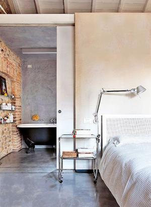 mooi ontwerp, schuifdeur naar de badkamer, eenheid in materiaal op ...