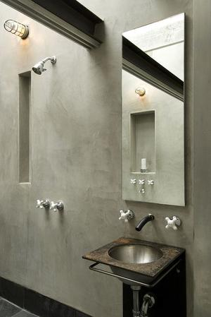 grijs beige/ greige- mooie rustige kleur. Badkamer im marmerstuc ...