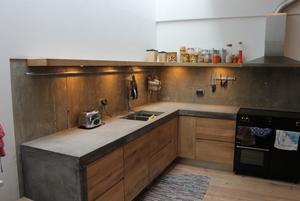 Blauw Keuken Ikea : Keuken betonnen blad met houten frontjes gemonteerd op ikea