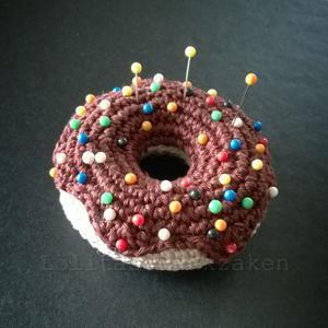 Gehaakte Donut Als Speldenkussen Je Vindt Het Gratis Patroon Op Het