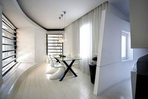 Witte eetkamer. . Foto geplaatst door leo op Welke.nl