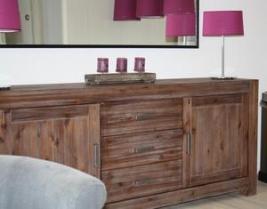 Bekend Dressoir met spiegel boven en lampen in de kleur paars. Foto AP19